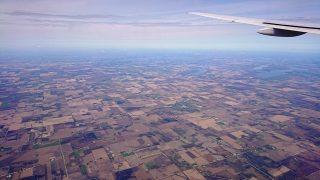 飛行機の窓からの眺め|海外出張にて